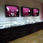 Где найти качественное выставочное оборудование для ювелирного салона или магазина