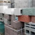 Задумали купить кирпич — узнайте о характеристике блоков для строительства