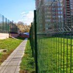 Ограждения из сварной сетки с полимерном покрытием для многоквартирных домов