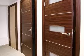 Особенности шпонированых межкомнатных дверей