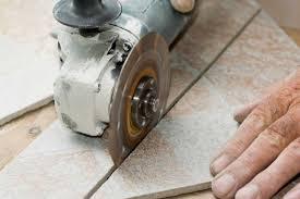 Использование алмазной резки при укладке керамической плитки