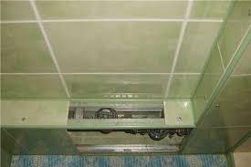 Что нужно сделать, чтобы закрыть нержавеющие трубы в ванной?